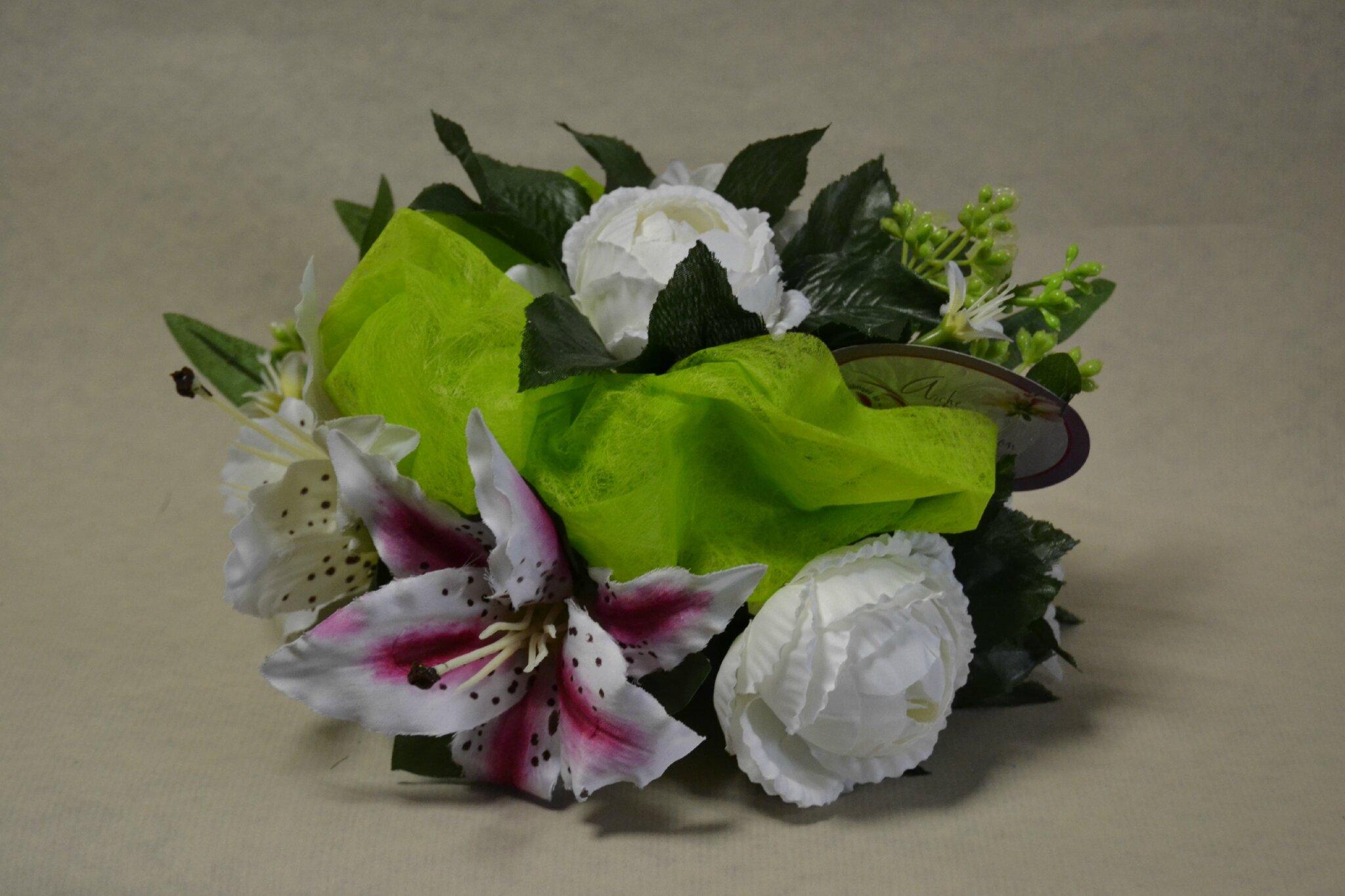 Fleurs qui ne gele pas pour cimetiere for Pelouse artificielle pas cher
