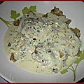 Ravioles de saumon, crème estrago cardamome