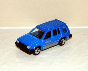 Toyota corolla 4WD de chez Majorette au 1