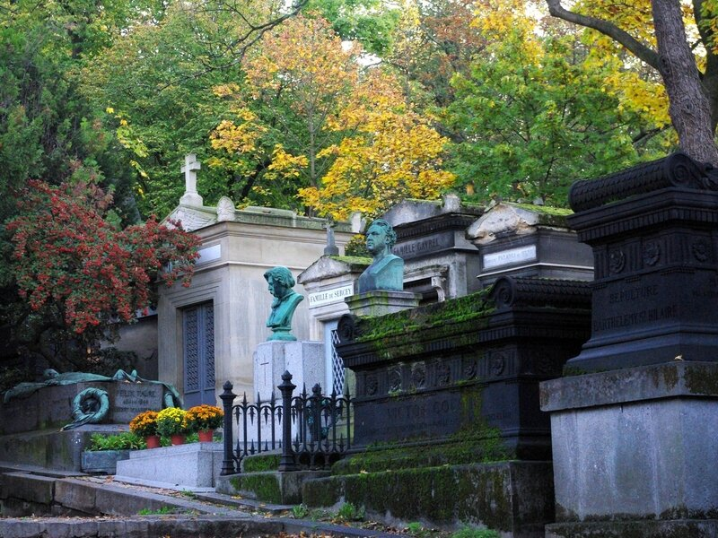 Pere-Lachaise-Cemetery-01-copyright-French-Moments