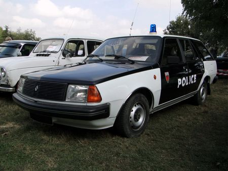 RENAULT 18 GTL Break vehicule de police 1985 Nesles Retro Expo 2009 1