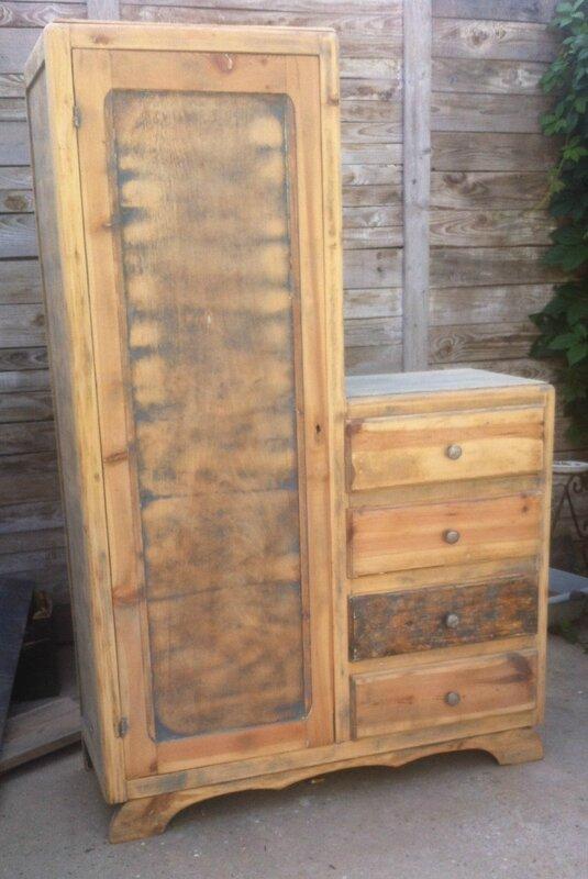 armoire ancienne a tiroirs