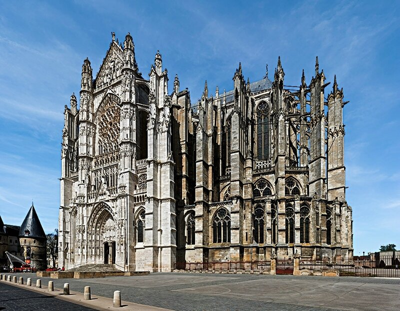 Beauvais_Cathedral_Exterior_1,_Picardy,_France_-_Diliff
