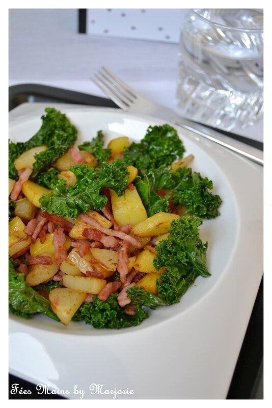 Kale sauté, pommes de terre rôties et petits lardons