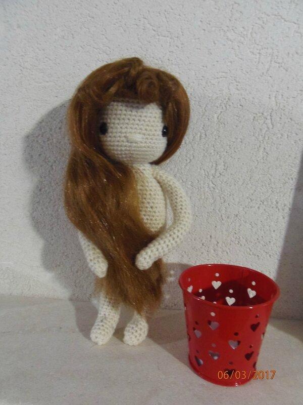 poupée au crochet 001