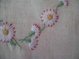 COEUR MARGUERITE BRODERIE TRADITIONNELLE (5)