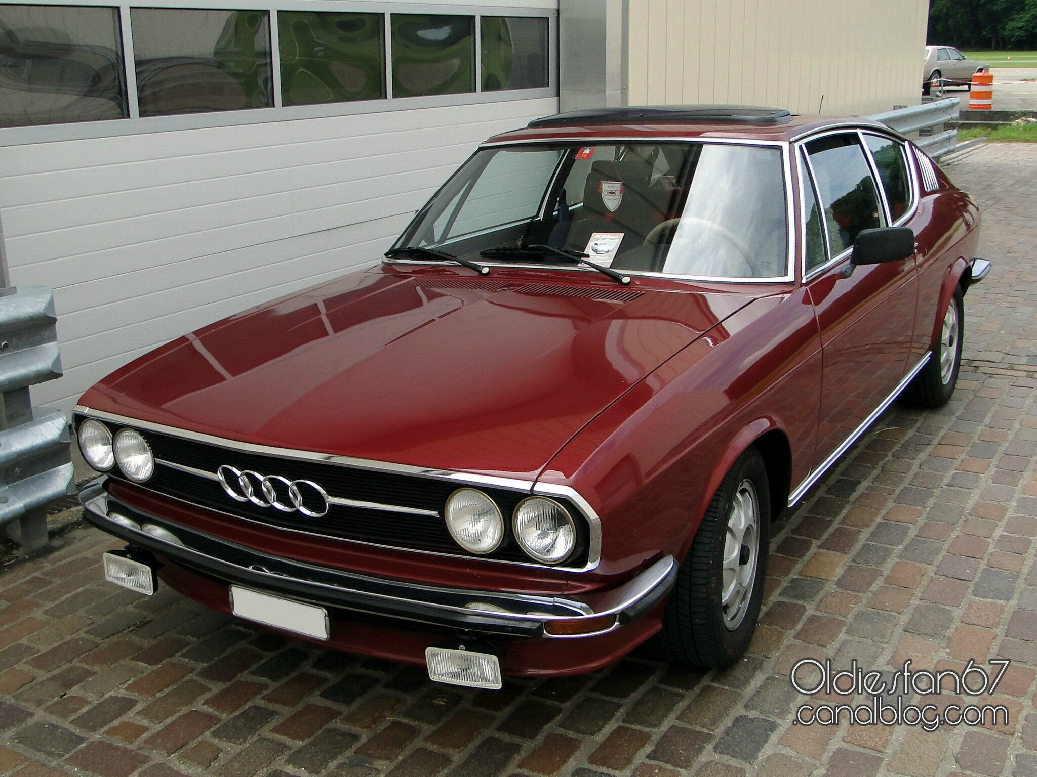 audi 100 coupe s s rie 2 automatic 1975 1976 oldiesfan67 mon blog auto. Black Bedroom Furniture Sets. Home Design Ideas