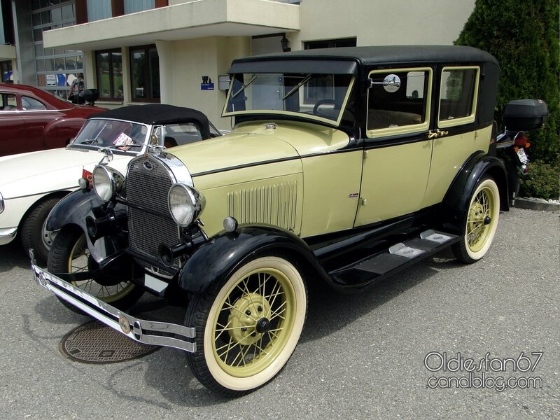 ford-a-leatherback-fordor-sedan-1928-1929-01