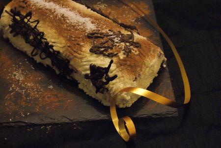 buche_chocolat_blanc_et_noix_de_coco_3