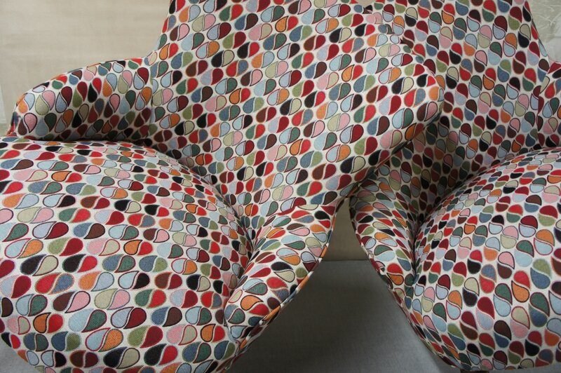 sur-les-tissus-dameublement-e280a6e280a6-tapissier-dc3a3c2a9corateur-paris-tissu-ameublement-velours-tissu-ameublement-design