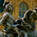 Statue de Louis XIV équestre.