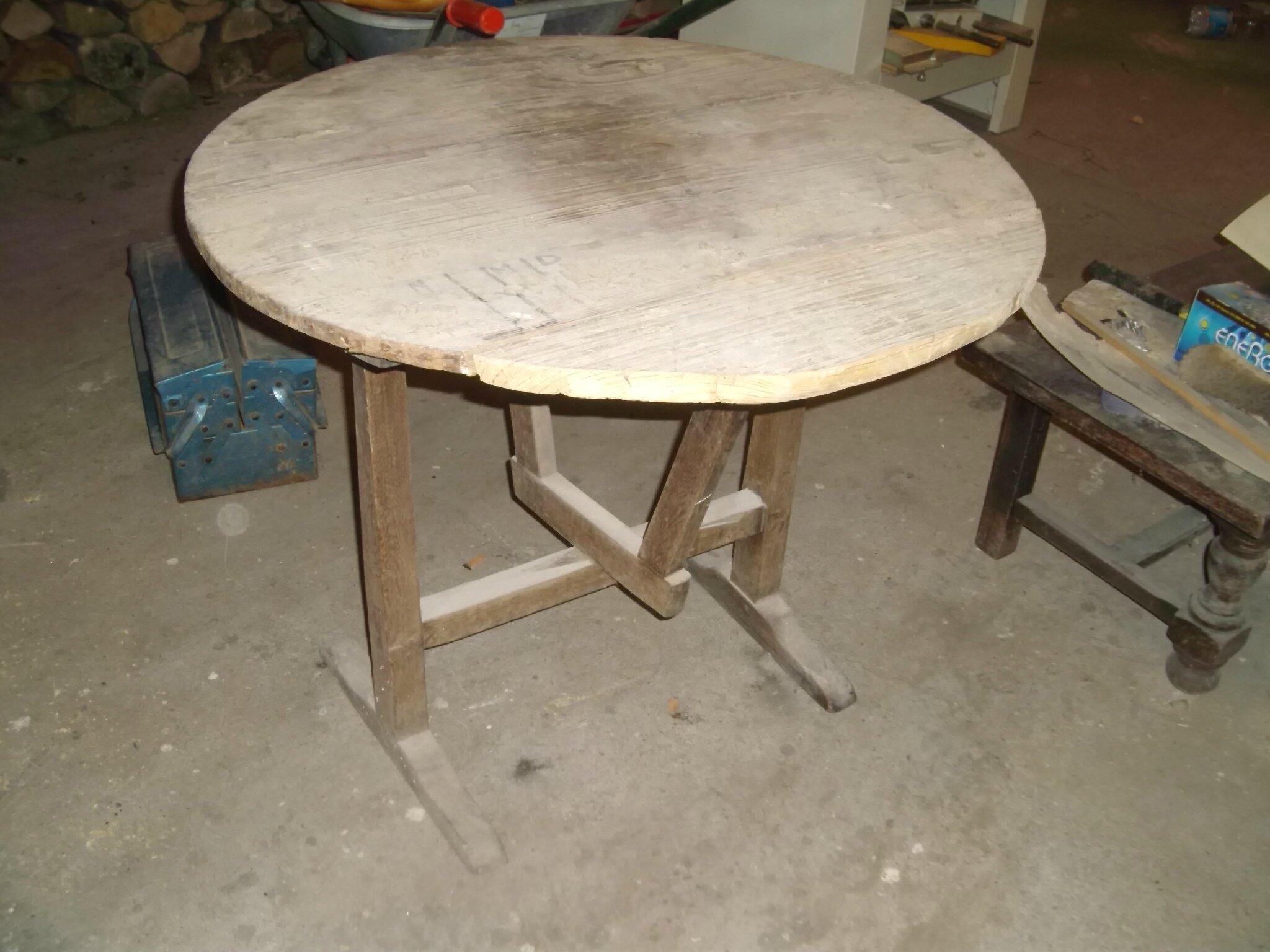table vigneron la d co de g g. Black Bedroom Furniture Sets. Home Design Ideas