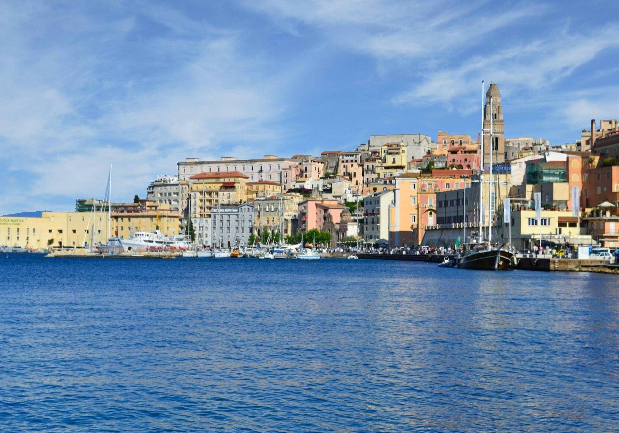 La côte tyrrhénienne (avant Naples)