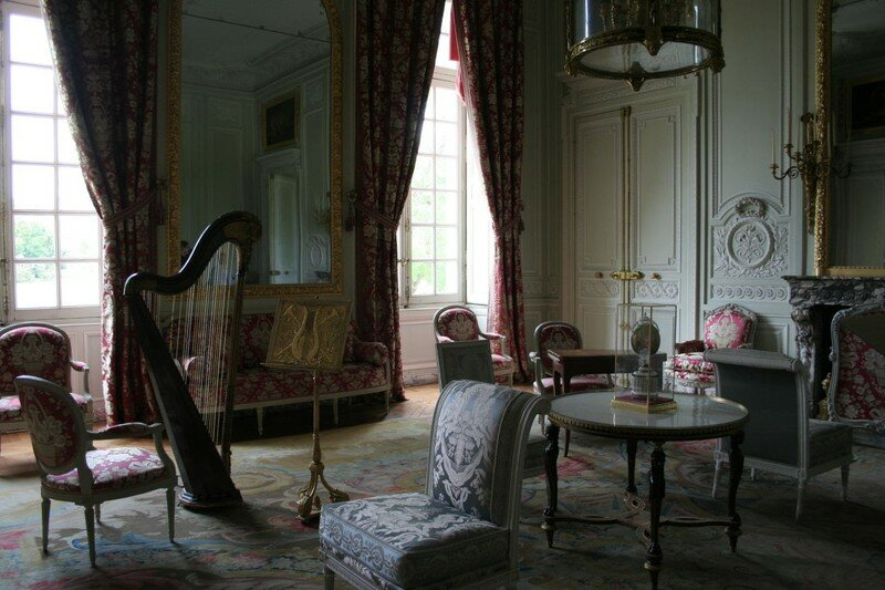 le salon de compagnie au petit trianon photo de le domaine de marie antoinette manouedith et. Black Bedroom Furniture Sets. Home Design Ideas