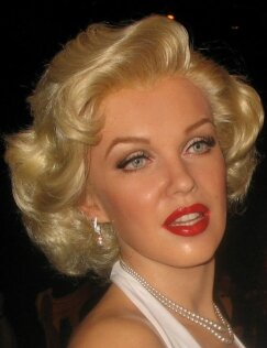 how to get a marilyn monroe figure