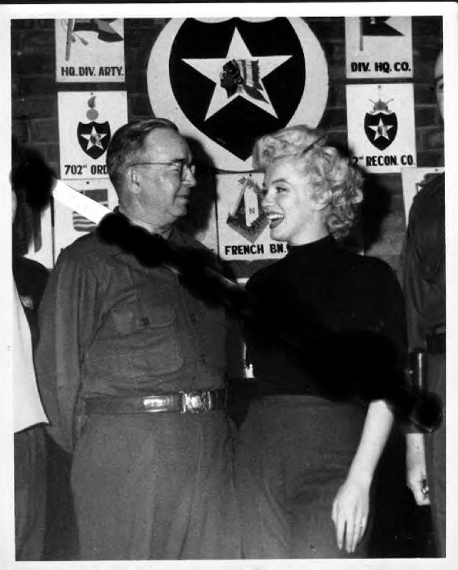 1954-02-18-korea-2nd_division-NCOclub-with_gal_william_barriger-1