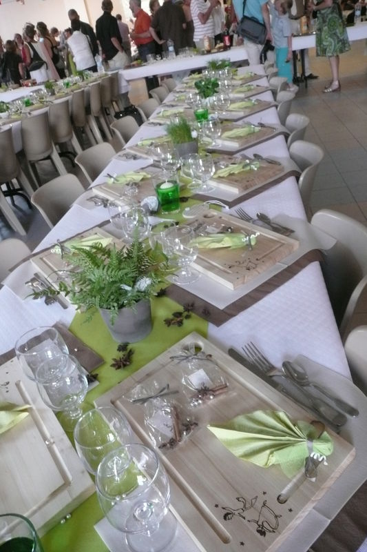 Nappe de table blanche - Decoration taupe et blanc ...