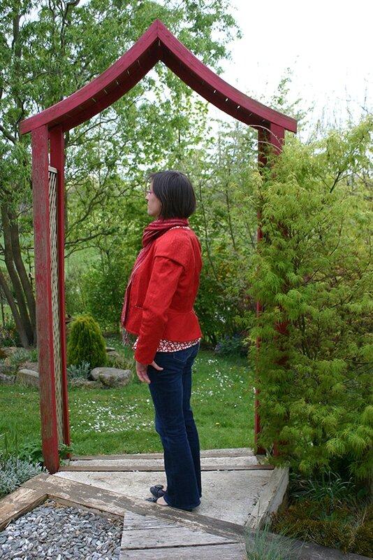 veste rouge portée profil