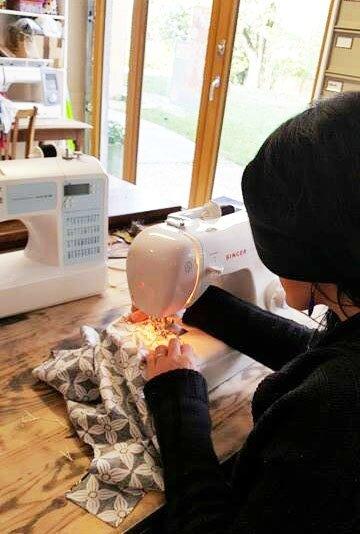 cours de couture individuel adulte débutant 01300 belley atelier de CrApule FActOry