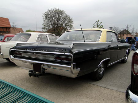 OLDSMOBILE Super 88 Holiday Hardtop Sedan 1964 Bourse Echanges Autos Motos de Chatenois 2010 4
