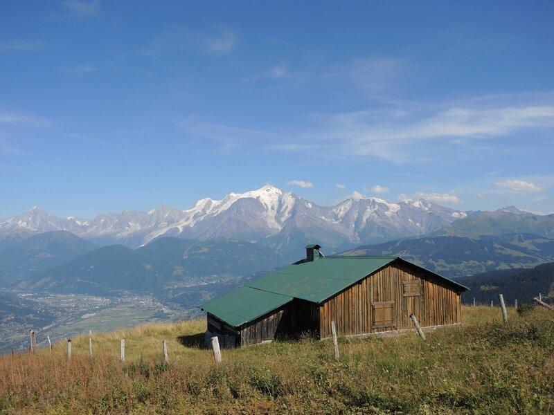 Cordon, randonnée belvédère, chalets des Bénés, massif du Mont Blanc et chalet (74)