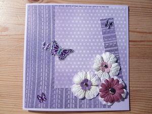 Carte_violette_fleurs_et_papillon