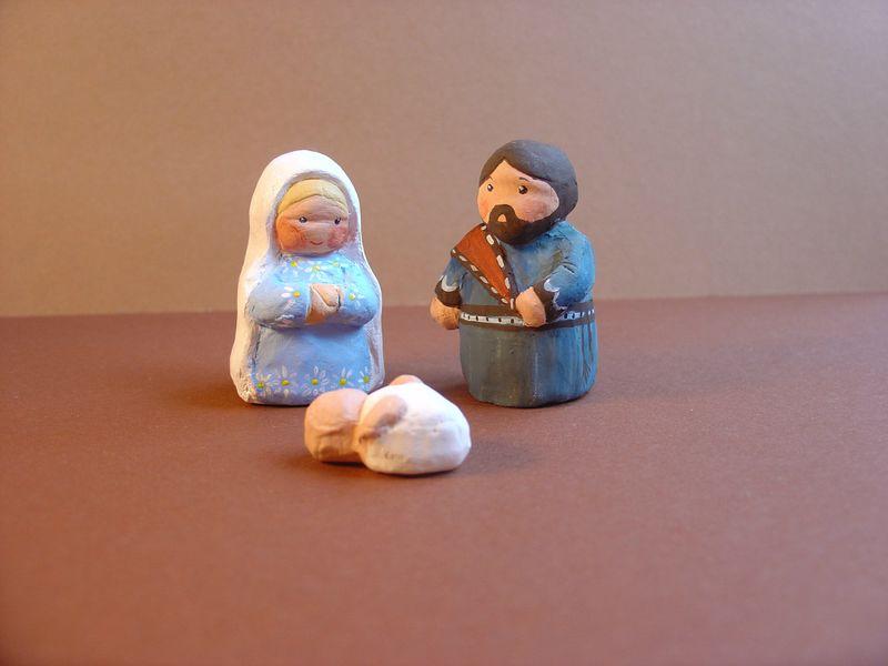 santons naïfs : Marie et Joseph