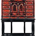 Cabinet en écaille rouge et ébène. travail flamand du xviie siècle.