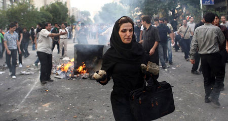 iranianwomanwithrocks
