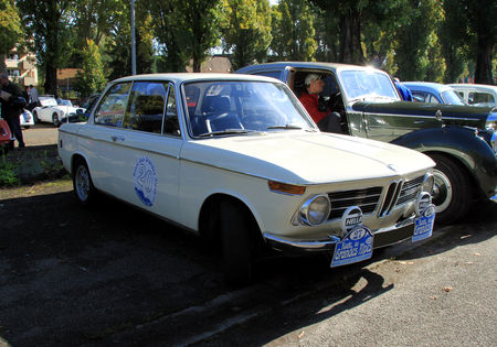 Bmw_1600_TI__Retrorencard_octobre_2010__01
