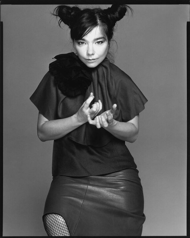 bjork-2000-by_richard_avedon
