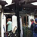 la techumbre de la casa está quemada