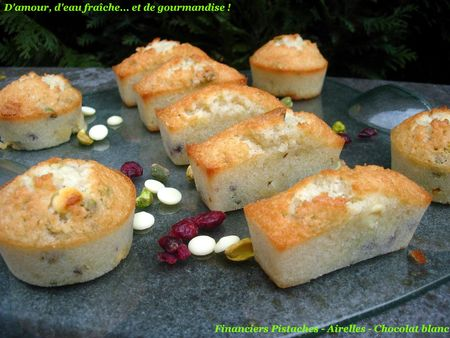 Financiers_pistaches_airelles_chocolat_blanc
