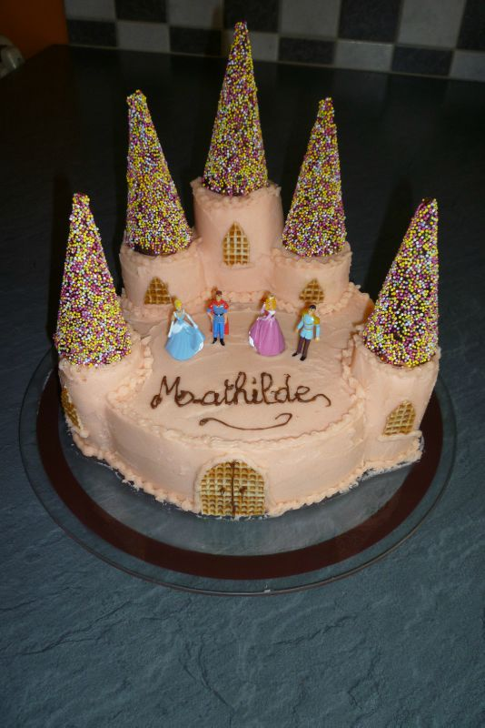 Gateaux chateau de princesse for Image chateau princesse