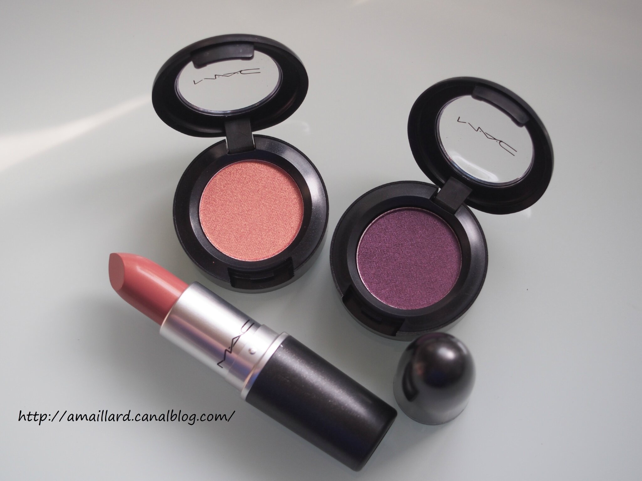 MA COMMANDE MAC MOODY BLOOM COLLECTION+PERMANENT:PRESENTATIONS/SWATCHS....