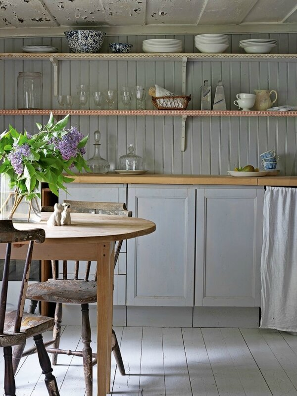 lantlig_idyll_kok_kitchen_romantic_lantkok_rustik_rustic_country_style_Foto_Stellan_Herner