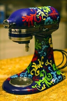 Cool-Painted-Kitchen-Aid-Mixer-Art24