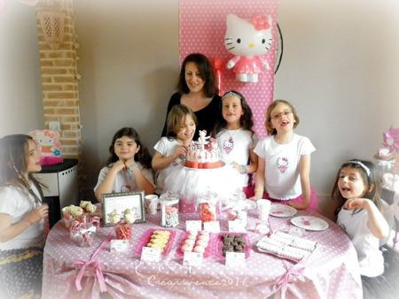 L 39 Anniversaire De Prunille Sur Le Th Me D 39 Hello Kitty Hello Kitty Birthday Party Prunille