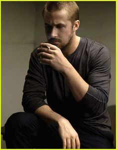 Ryan_in_Flaunt_Magazine_ryan_gosling_4703910_405_516