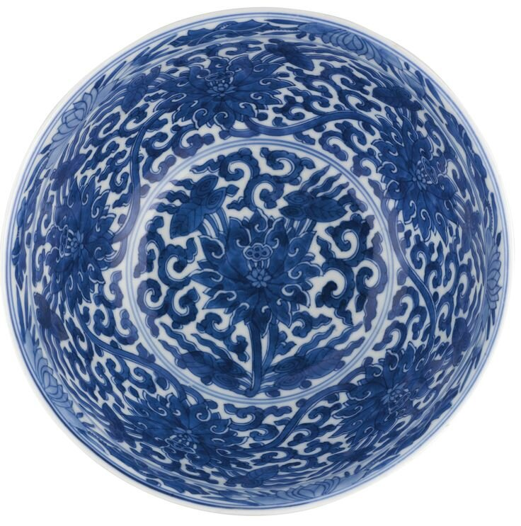 A blue and white 'Lotus' bowl, Kangxi mark and period (inside view)