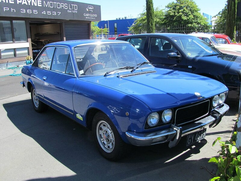 1973_Fiat_124_Sport_Coupe_(12651567594)