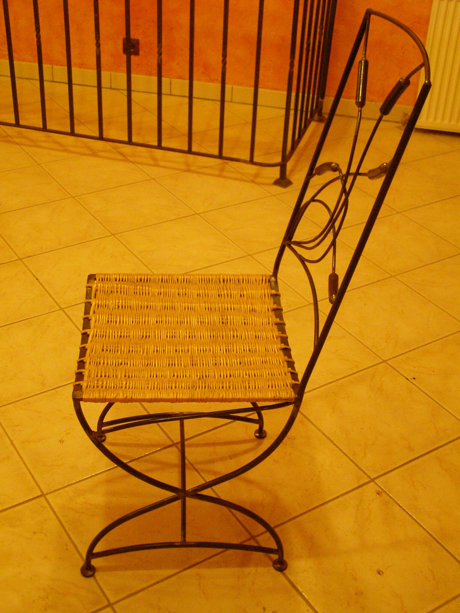 Surprenant modele de chaise maisonco for Modele de chaise