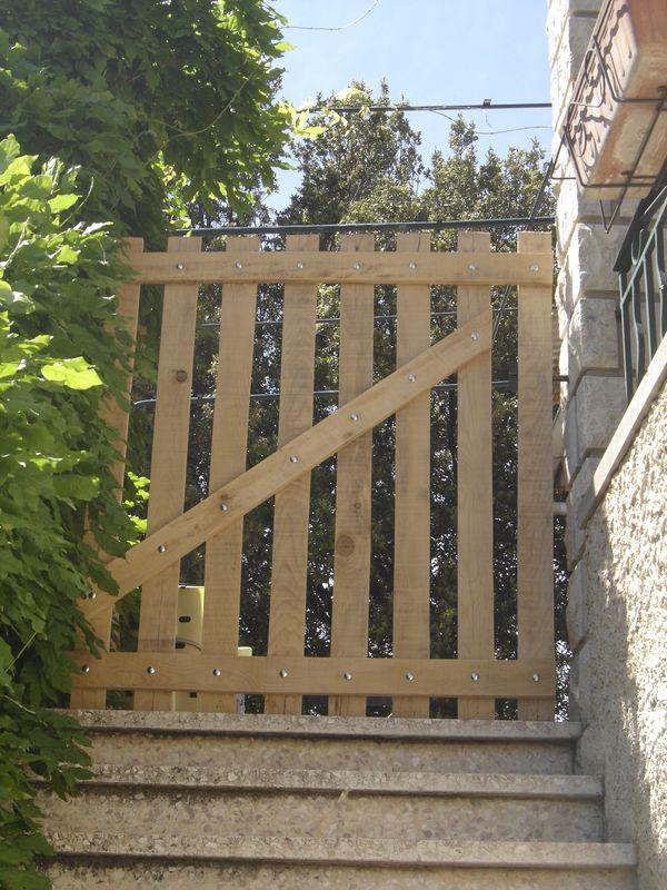 Portillon en bois de palettes recyclage et cie for Portillon en bois de jardin