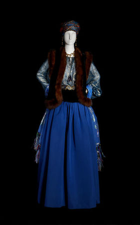 Yves_Saint_Laurent__Long_evening_ensemble_Prussian_blue