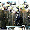 Violents affrontements entre la police et des casseurs à rennes