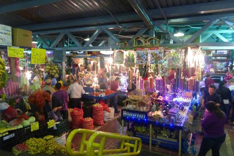 Le marché et ses marchands de Noël