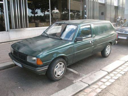 Peugeot305fgav1