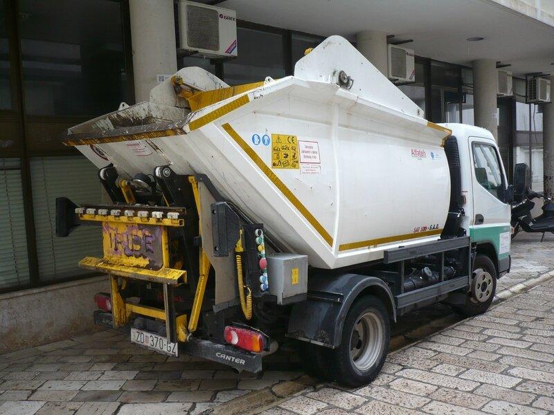 MITSUBISHI FUSO Canter 5S13 benne à ordures ménagères Zadar (2)