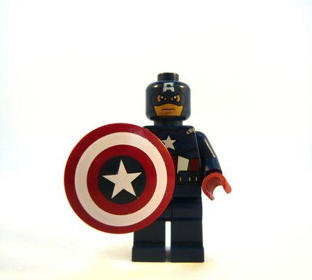 le super heros lego des réseaux sociaux d'entreprise