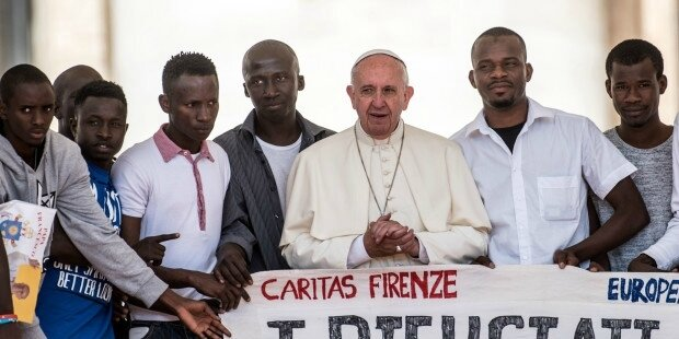 web3-pope-audience-vatican-refugees-m-miglioratocppciric